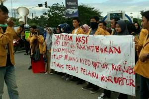 Aksi Hari Anti Korupsi, Gubernur Menutup Mata terkait Kebutuhan Masyarakat