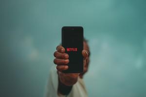 Film Vertikal: Gaya Baru Menonton Film