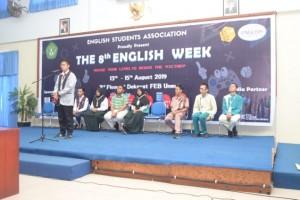 Asah Kemampuan Berbahasa dalam English Week