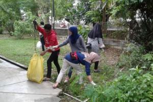 Mengajak Mahasiswa Terusik dengan Lingkungan Kotor