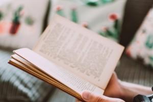 Membaca vs Menonton, Mana yang Patut Diberdayakan?