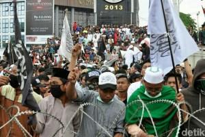 Semrawut dan Jalan Tengah Polemik Pemilu Indonesia