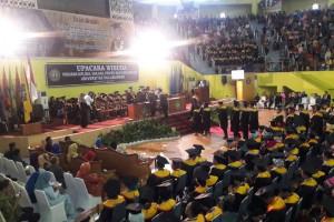 Khidmat Pagelaran Upacara Wisuda Gelombang I