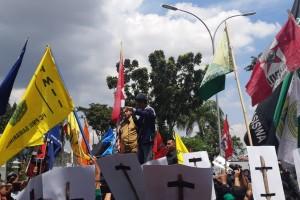 Aksi AMPK Kaltim, Ricuh dan Tuntutan Tak Dipenuhi