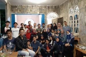 Merangkul Malam Minggu bersama Diskusi Pers Mahasiswa
